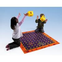 Bewegtes Lernen im 100er Zahlenraum, Hundertertafel mit 2 aufblasbaren Würfeln