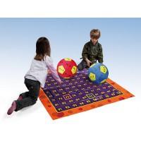 Im Set enthalten: • 1 Lernspielball: Plus- und Minusaufgaben im ZR bis 100 • 1 Lernspielball: Multiplikation, Kleines 1 x 1 • 1 Hundertertafel für den Fußboden