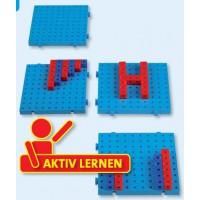 Steckbare Hunderterplatten mit Steckwürfel in rot und blau