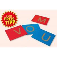 Auf diesen Fühl- und Tastplatten ertasten die Kinder die Buchstaben und lernen diese so besser kennen.