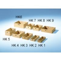 Holzkisten oben links: HK 6, HK 7, HK 8, HK 9, unten links: HK 5, HK 4, HK 3, HK 2, HK 1