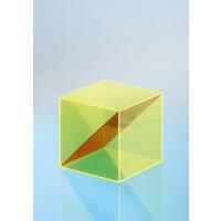 Modell J3003-1a21, Geometrischer Körper aus gefärbtem Acrylglas