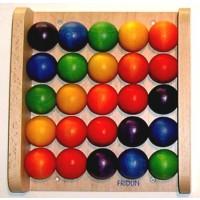 Krippenwandspiel Kugelbrett, 25 farbintensive Kugeln aus Buchenholz