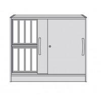 Schrank mit Holzschiebetüren und 2 durchgehenden, höhenverstellbaren Böden