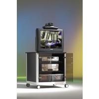 Dieser mobile TV-Schrank / Fernsehschrank präsentiert sich in einer eleganten Holz-Alu-Kombination mit Rauchglastüren (Abbildung zeigt Sonderdekor)