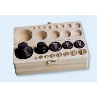 Gewichtssatz 2, Gewichte aus Messing und Guss (Holzkasten mit Deckel)