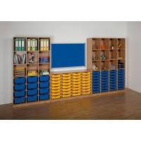 Anbauwand mit Ergo Tray Boxen und Langwandtafel (Tuch in blau)